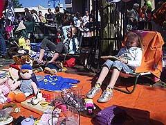 Koninginnedag 2007 in Almelo met veel muziek en vertier